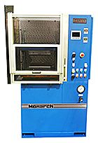 40 ton Monarch Series proppant frac sand crush test press.